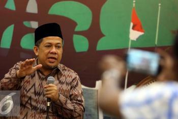 Fahri Hamzah Menjadi Pembicara Diskusi